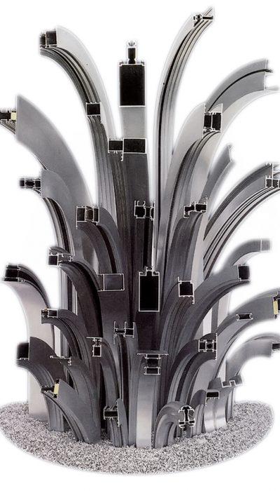 Gesco Metall Biegetechnik Schottenhamml-Biegetechnik garantiert Bogenteile in einwandfreier Qualität und Genauigkeit durch eigens dafür entwickelte Biegemaschinen.